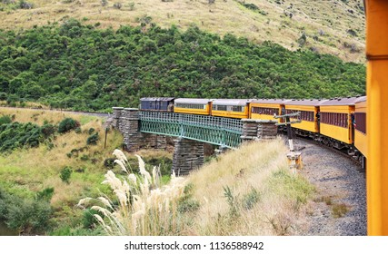 Taieri Gorge railway , south island, New Zealand