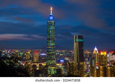 TAIPEI , TAIWAN - DEC 14 : The scene of Taipei 101 building and Taipei city Taiwan on December 14 2017. The photo has been taken from the top of Elephant Mountain, Taipei.