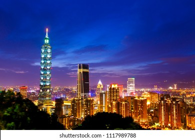 taipei,taiwan - May 10,2018 : Townscape of sunsets in Taipei, Taiwan.Taipei 101 is a landmark supertall skyscraper in Xinyi District.