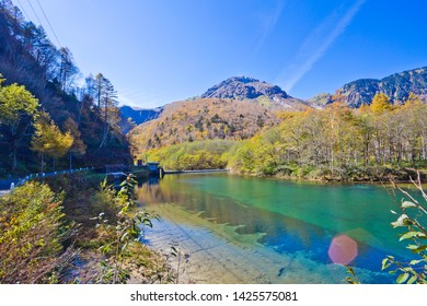 Taisho Pond has a beautiful surface which reflects the Hotaka Mountains, and with surrounding scenery symbolizing of Kamikochi national park.