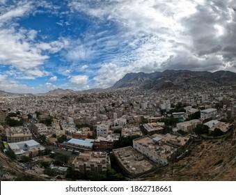 Taiz _ Yemen _ 25 Nov 2020 : Rainy clouds cover the Yemeni city of Taiz
