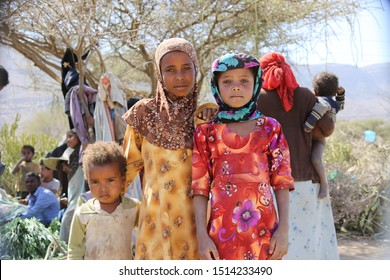 Taiz / Yemen - 09 Feb 2017 : Yemeni children live in the open in a camp for those fleeing the war, which forced them to flee their homes in the city of Taiz.