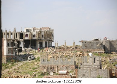 Taiz / Yemen - 09 June 2016 : The effects of destruction on people's homes due to clashes with various weapons between the Popular Resistance and Al-Houthi militias in Taiz City .