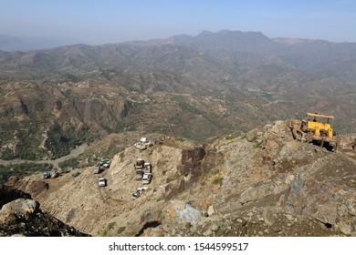 Taiz / Yemen - 10 May 2016 : Citizens transport their needs in rugged roads due to Al-Houthi militia blockade of the main roads of Taiz  city .