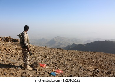 Taiz / Yemen - 21 Feb 2017 : Soldier fighting in the ranks of the legitimate army against Al-Houthi militia in the West of Taiz City .