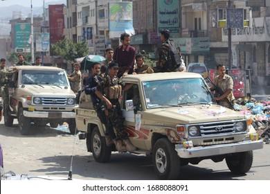 Taiz / Yemen - 30 Nov 2016 : Yemeni fighters loyal to President Abd Rabbu Mansour Hadi fight against Al-Houthi rebels in Taiz,Yemen.