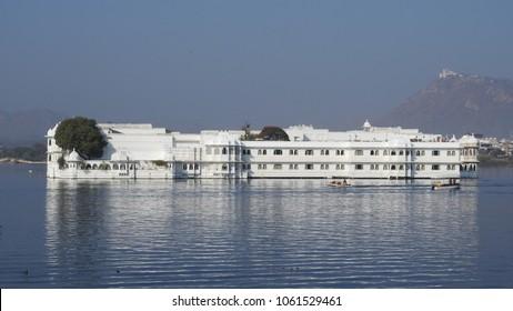 Taj Lake Palace on Lake Pichola, Udaipur, Rajasthan, India.