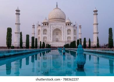 Taj Mahal in the evening light, Agra, Uttar Pradesh, India