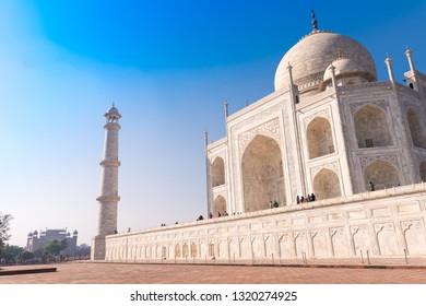 Taj Mahal on a bright, sunny day