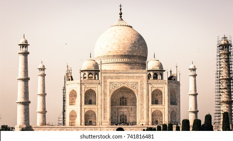 The Taj Mahal - One of the 7 wonders of the World