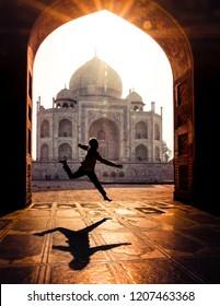 Taj Mahal Sunset Dance