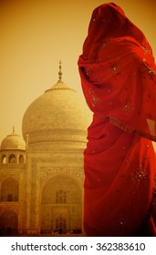 taj mahal's lady with sunset