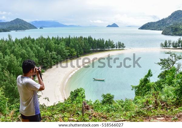 take a landscape photo from view point at Ao Khao Kwai (Buffalo Bay) (Ko Kam Tok, Kham Islands, Thailand)