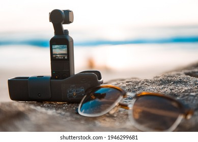 take a sunset picture with my Osmo Pocket. Dreamland Beach, Bali