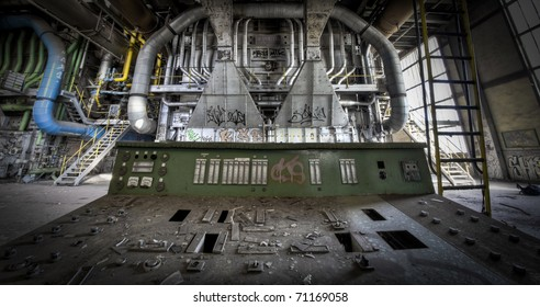 Taking place behind the operating panel at an abandoned factory. The great view the operator could see before the crisis hit them hard.