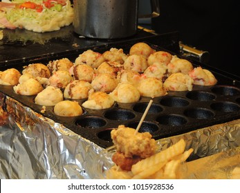 Takoyaki,Octopus Dumplings in Japan