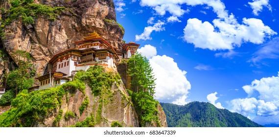 Taktshang Goemba Temple, Tiger nest monastery, Panorama view on a bright day, Paro, Bhutan