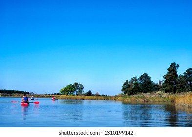 Talbot County, Maryland, USA, Sea kayaking on the Chesapeake Bay, October 11, 1997
