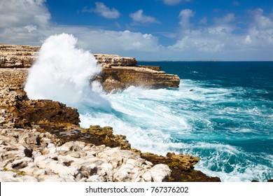 Tall atlantic waves close to Devil's Bridge.