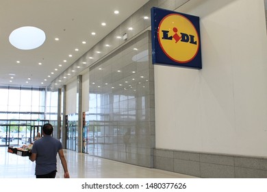 Tallaght, Dublin, Ireland. 03.08.2019. Supermarket Lidl at Arena Retail Park.
