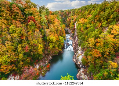 Tallulah Falls, Georgia, USA overlooking Tallulah Gorge in the autumn season.