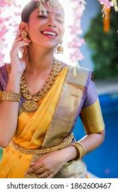 Tamil Girl - Tamil Ponnu in Saree