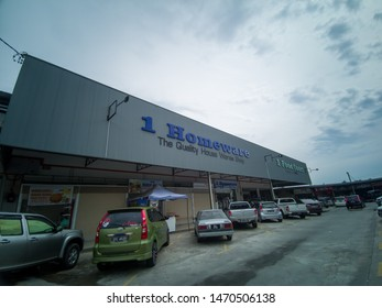 Tamparuli, Sabah, 4 August 2019 : 1 Homeware store in Tamparuli Sabah.1 Homeware is headquartered in Kota Kinabalu with 15 retail outlets and 17 retail counter partner throughout Sabah.