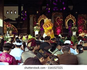 Tanah Lot, Beraban, Kediri, Tabanan Regency, Bali/Indonesia - Aug 18 2018: Bungan Sandat Serasi Dance In The Opening of Tanah Lot Art Food Festival 2018