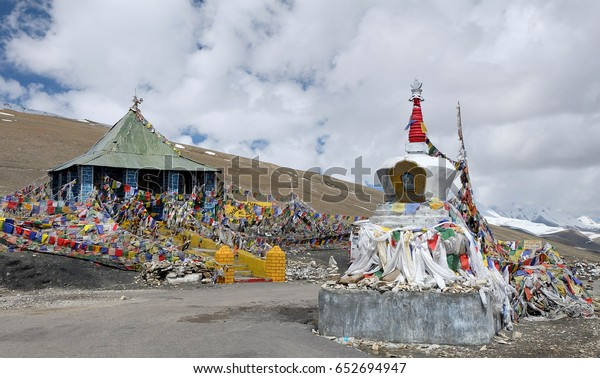 Tanglangla second highest pass of the world