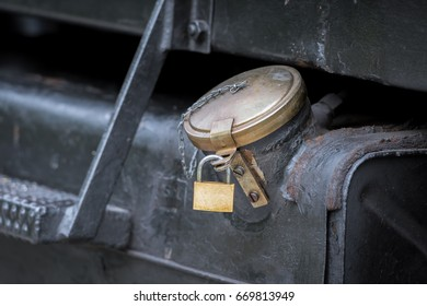 A tank cap with padlock