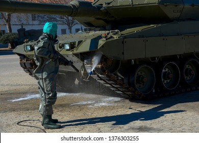 Tank decontamination military