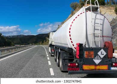Tank truck with danger plates