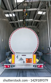 Tank truck in supply and cleaning operations