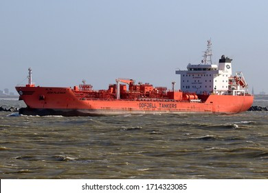 The tanker Bow Platinum will leave the port of Rotterdam on March 12, 2020.