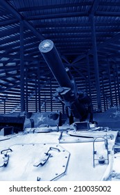 tanks gun turret, closeup of photo