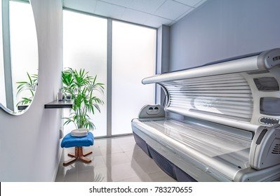 Tanning bed in a modern beauty salon.