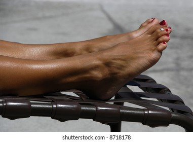 Tanning Toes