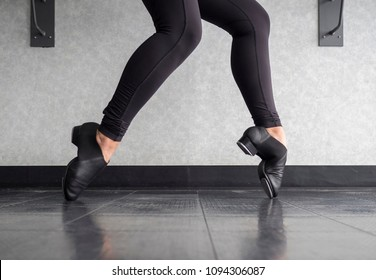 Tap shoe Toe Stand in Tap Class