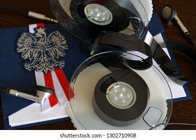tapes with recordings of politicians' conversations, subtitles in Polish