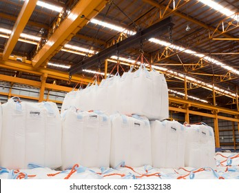 Tapioca in jumbo/big bags handling to stack in warehouse