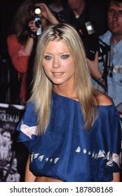 Tara Reid at premiere of SWORDFISH, NY 5/11/2001