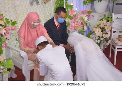 Tarakan, Indonesia October 13 2020 The Islamic Wedding of Indonesian Muslim between Qory and Alfi