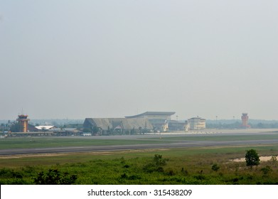 TARAKAN, INDONESIA - SEPT, 10, 2015 : view on the Juwata International airport runways  that look Tarakan city cloaked in thick smog on Sept 10, 2015  in Tarakan, Indonesia