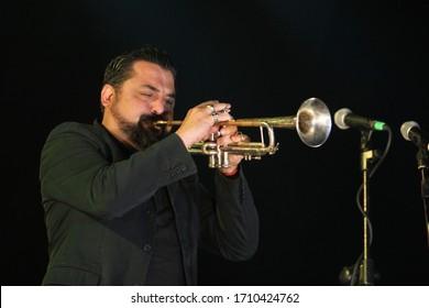 """Taranto, May 2015, Roy Paci sings at the concert """"May 1 Taranto"""""""