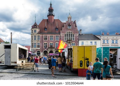 TARNOWSKIE GORY. POLAND  - july 30: A people buy meals from food trucks July 30, 2016 in Tarnowskie gory, Silesia, Poland