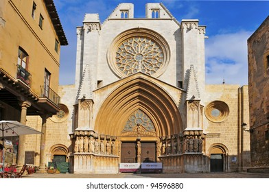 TARRAGONA , SPAIN - JANUARY 28: Cathedral of Tarragona on January 28, 2012 in Tarragona, Spain. Located in a site previously occupied by a Roman temple, it was declared a national monument in 1905