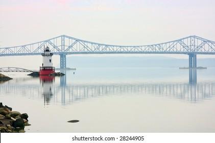 Tarrytown lighthouse and Tappan Zee Bridge on the Hudson River in New York