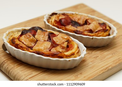 Tartelette with tomatos, chorizo and parmesan