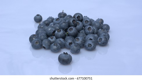 Giant Blueberries Images, Stock Photos & Vectors | Shutterstock