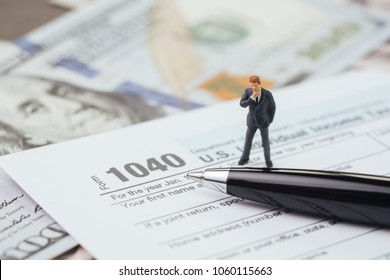 State Revenue Office Images, Stock Photos & Vectors